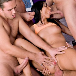 Private video: Simonne Style Is XXX Multitasking