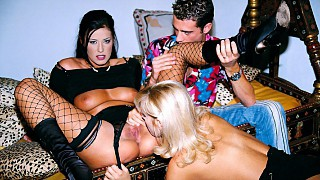 Claudia Ferrari and Sarah Blue in an Awesome Anal Threesome