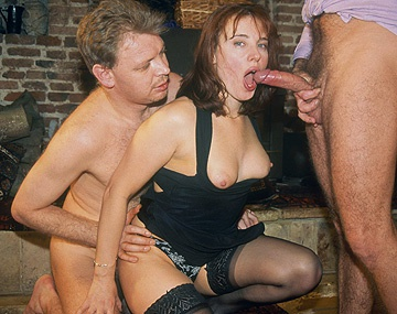 Private  porn video: La pelirroja Lesley Sey se pajea antes de la doble penetración