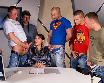 Private HD porn video: Sexy Aziatische Sai-Tai Tiger krijgt ladingen zaad in een bukkake