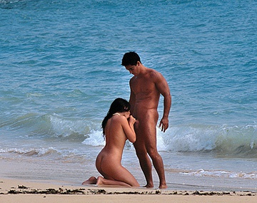 Private  porn video: A Hard Cock Goes into the Ass of Jessica Fiorentino on the Beach