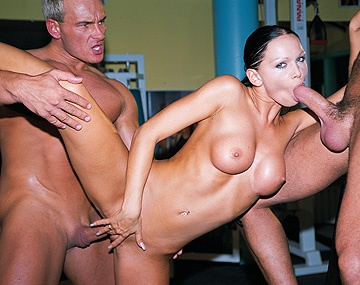 Private  porn video: Cristina Bella Gets Box Licked before Sucking a Fat Dick in This 3 Way